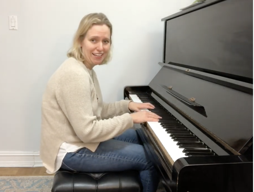 pianist showing poor piano posture.